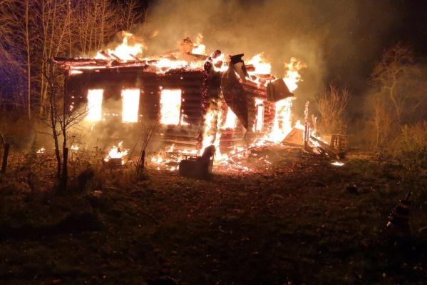 Пожар в деревне Головичино Рыбинского района вспыхнул в 4 часа утра