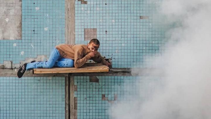 Всё в дыму: сварщик из Самары продемонстрировал новый перформанс