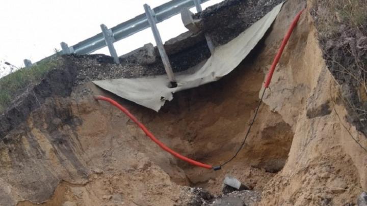 Власти обещали восстановить край дороги в аэропорт Курумоч за три дня