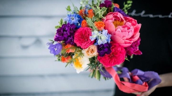 Букет сестре: в Волгодонске задержали мужчину, который обокрал цветочный магазин