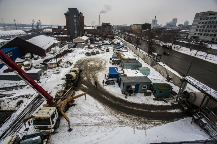 Вид из «Гранжа» на «Мельницу» и контейнерную улицу