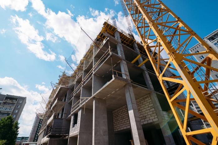 Пока жильцы судятся, строительство дома продолжается
