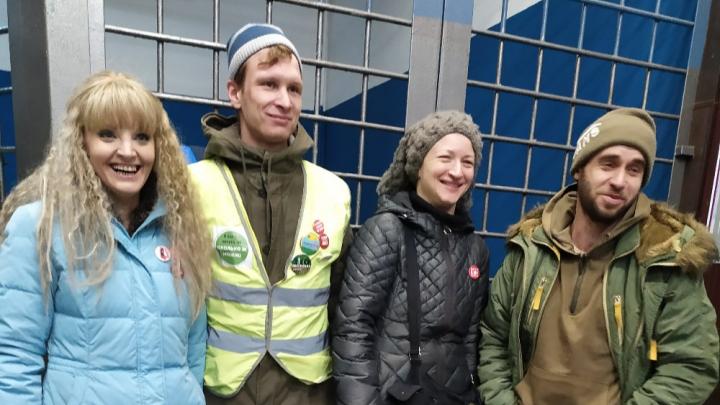На Красной площади в Москве задержали четырех экоактивистов, выступающих против Шиеса