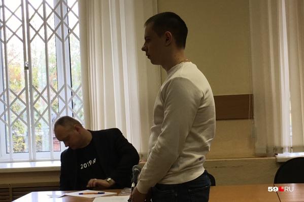 Экс-полицейского приговорили к исправительным работам