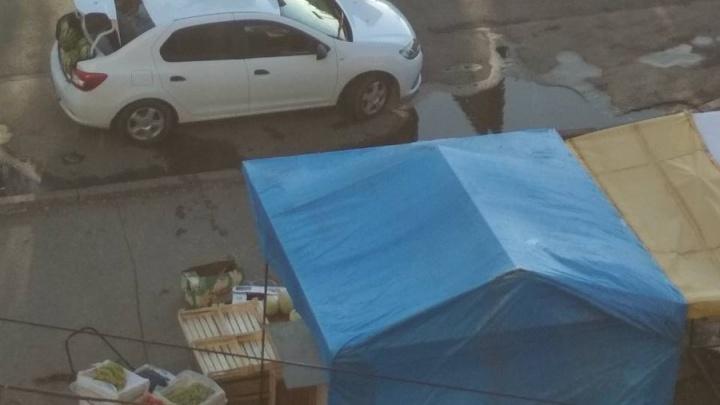 «Заберите рынок к себе под окна»: самарцы попросили зачистить ларьки на Аэродромной — Революционной