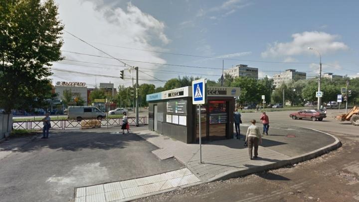 В Ярославле прохожие нашли на остановке тело женщины