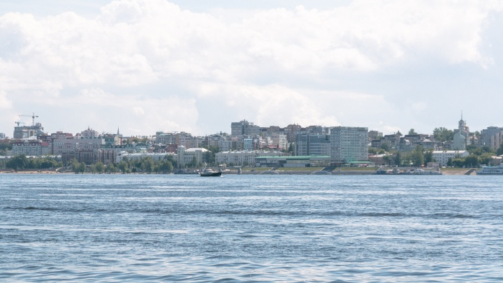 В Сызрани полицейские не позволили пьяному водителю катера сплавиться по Волге