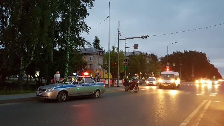 На Судоремонтной 45-я маршрутка столкнулась с мотоциклом BMW