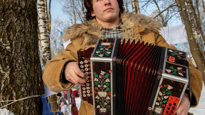 В декорациях старинного города: очередной фестиваль «Город-ярмарка» собрал сотни участников