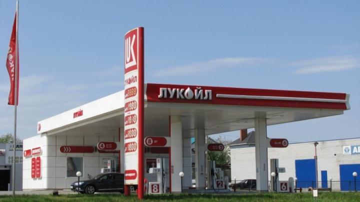 В Волгограде бензин преодолел планку в 50 рублей за литр
