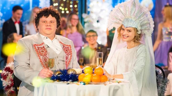На новогодний огонек «Вечернего Урганта» пригласили Монеточку, Евгения Кулика и Сашу Бортич