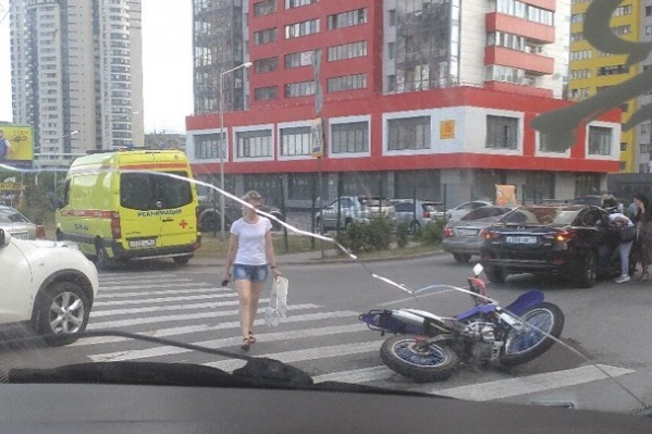 Мотоциклист врезался в поворачивающуюMazda 6