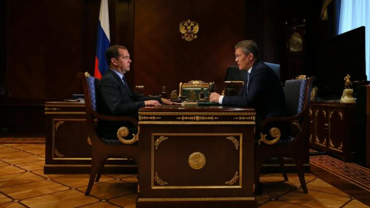 В Правительстве России оценили эффективность главы Башкирии и наградили республику рублем