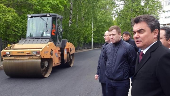 Хватит на пять лет: мэр Уфы проинспектировал новый асфальт