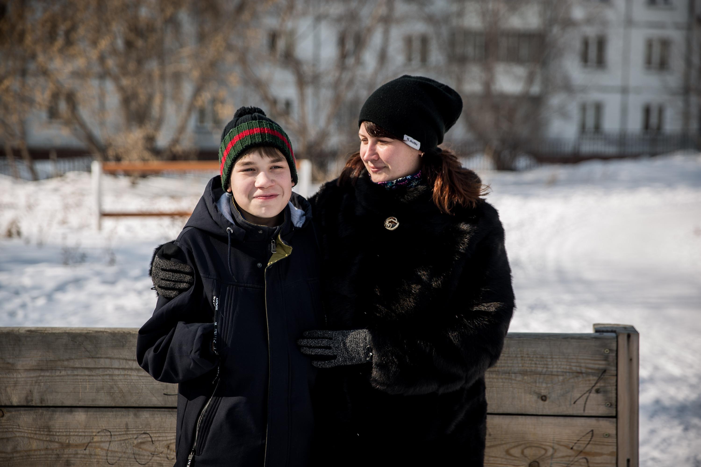 Мальчик-феникс: из-за редкой болезни тело подростка внезапно начинает гореть