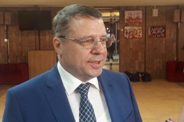 Николай Брусникин пока не дал ответа на предложение