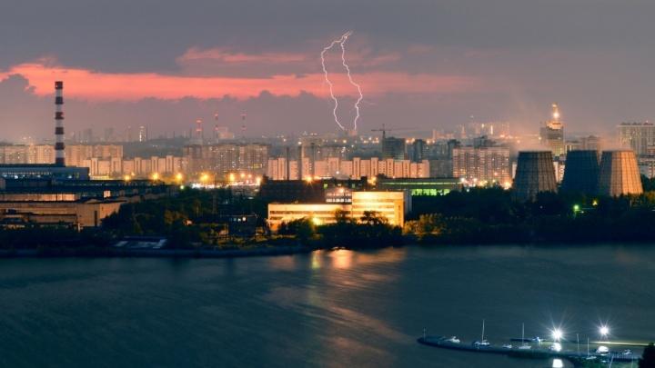 Синоптики продлили действие штормового предупреждения на понедельник