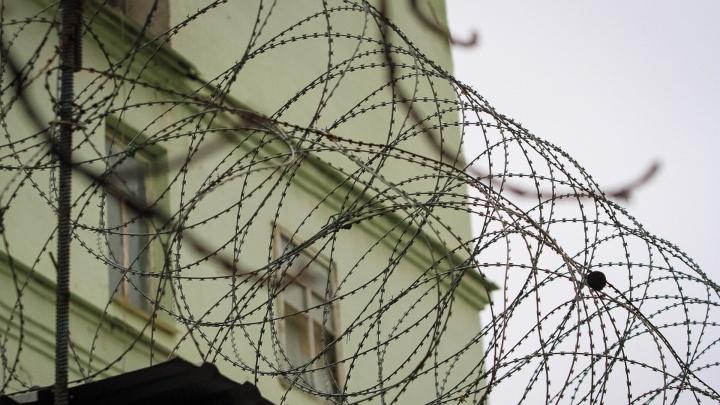 Постучал в дверь, а «вошел» через окно: в Каменске-Шахтинском задержали смелого грабителя