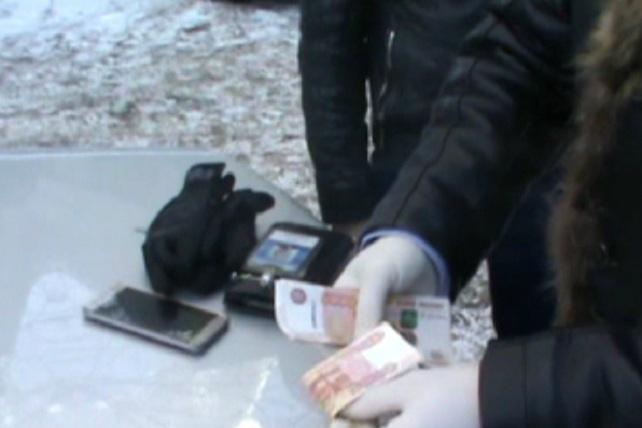 Руководителя энергетической компании полиция задержала с поличным