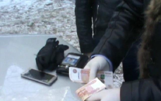 Обещал контракты бизнесмену: в Челябинске при получении денег задержали сотрудника «Фортума»
