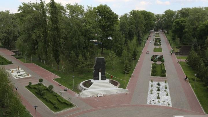 В Уфе вандалы повредили светильники в сквере 50-летия Победы