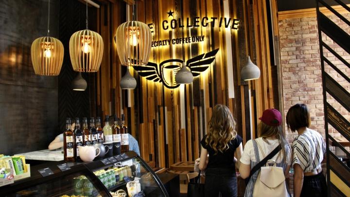 На Ленина открылось кафе с кофемашиной за 1,5 миллиона и кирпичами старше Новосибирска