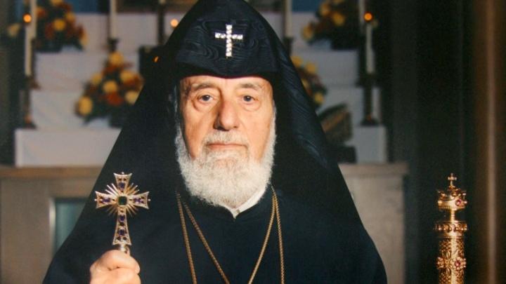 «В него летел камень — я поставил щит»: волгоградец продаёт за 10 млн чётки, подаренные Патриархом