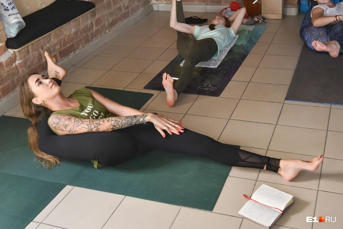 Йога, по её словам, помогает очистить ум