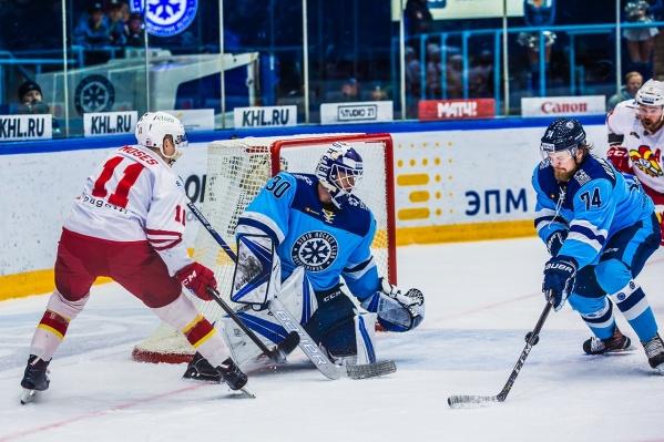 Игроки «Сибири» боролись до последнего, но уступили соперникам в овертайме