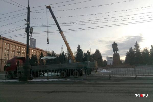 Подрядчик должен возвести ледовый городок до 22 декабря