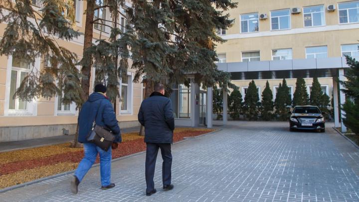 Глава Волгограда Виталий Лихачёв скрывает, зачем берёт в кредит 1,1 миллиарда рублей