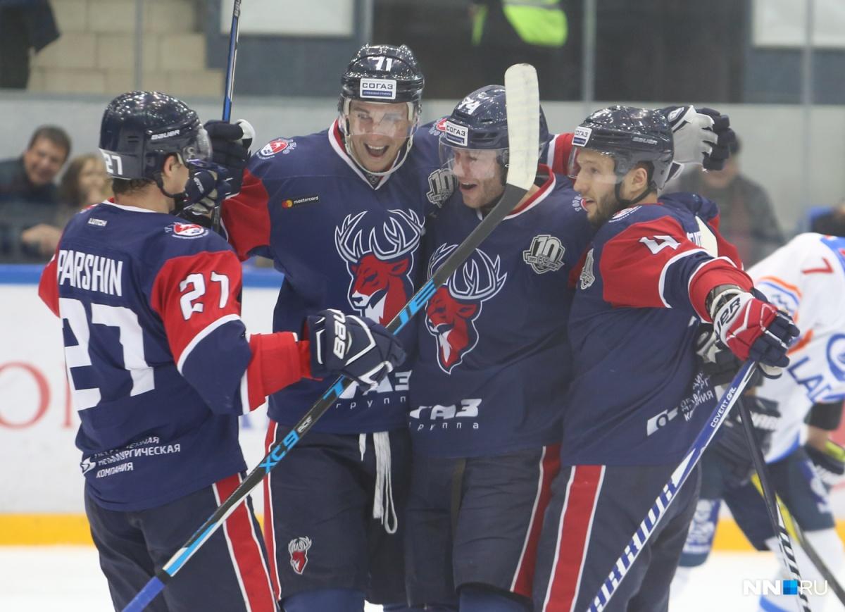 Хоккеисты «Лады» уступили насвоем льду «Торпедо»
