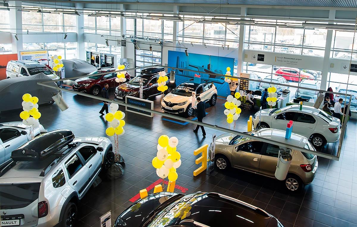 Renault пышно отмечает 120-летний юбилей марки
