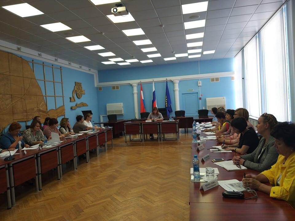В мэрии Тольятти решили использовать народный ресурс для пригляда за детьми