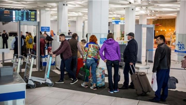 Самолет из Камрани в Новосибирск задержали на 9 часов