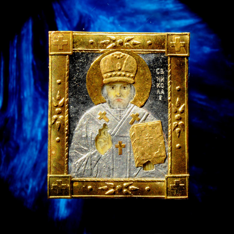 Икона Николай Чудотворца: размер 6,8 на 8 мм, оклад выполнен из золота