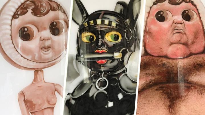 Художница из Екатеринбурга создала из пластилина картины с куклами, отражающими человеческие пороки
