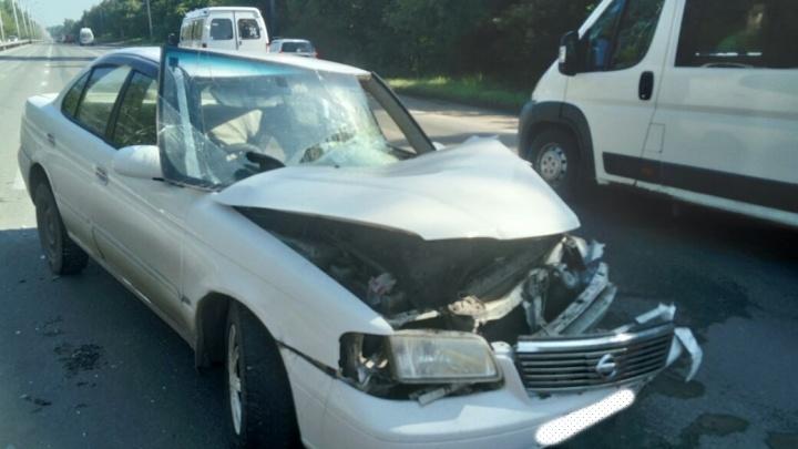 «Ниссан» собрал две аварии на Бердском шоссе