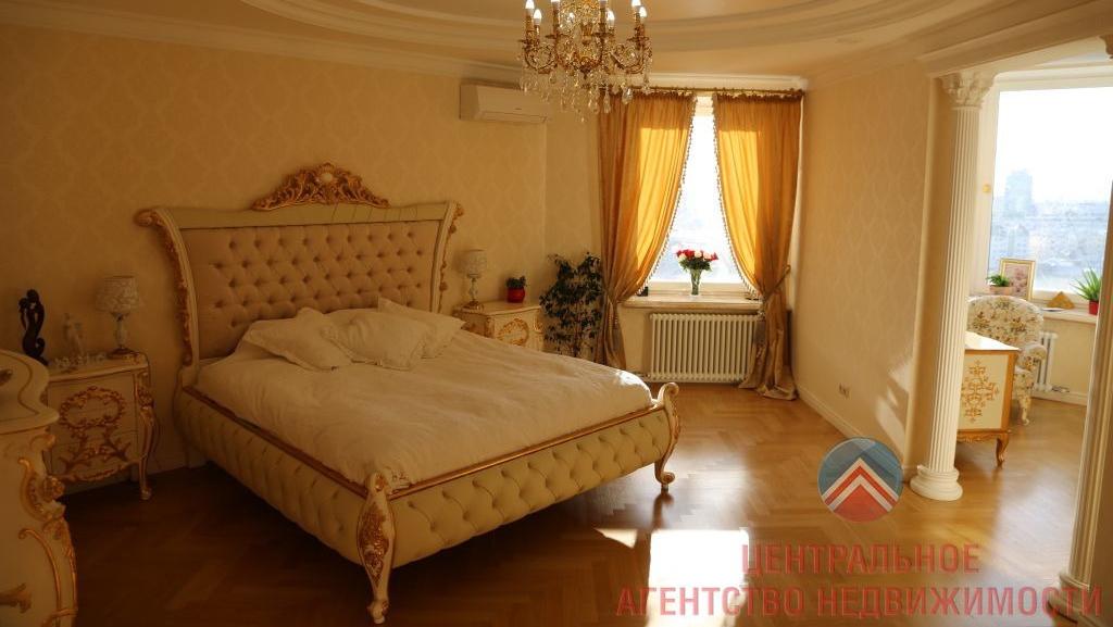 Квартиру за 100 миллионов продают с итальянской мебелью