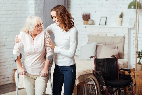 Пациентов, страдающих ожирением и остеопорозом, приглашают на бесплатные занятия в ОКДЦ