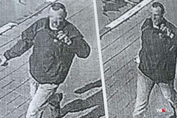 Мужчина попал на камеры наружного видеонаблюдения