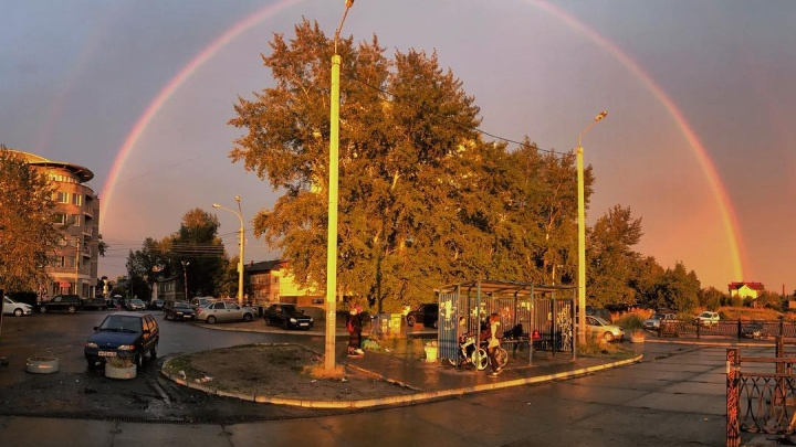 «Это чудо»: двойная радуга стала звездой архангельских инстаграмов