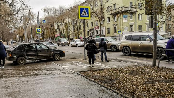 Опасный перекресток на Масленникова-Подшипниковой дополнят светофорными секциями