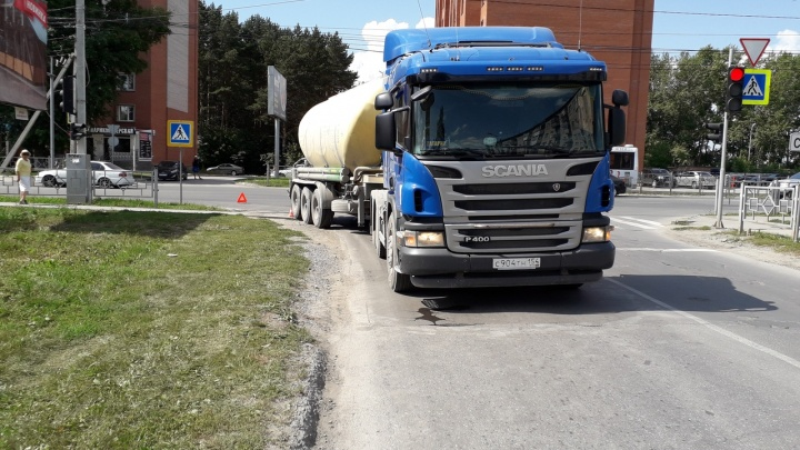 Цементовоз сбил школьника на пешеходном переходе под Новосибирском