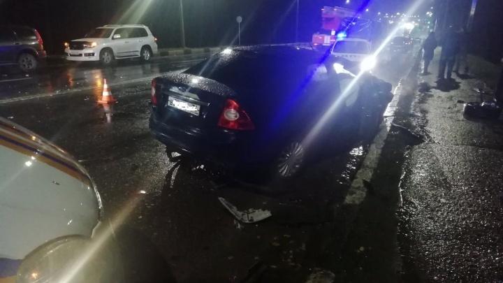 «Жестокая авария»: две машины скорой работают на месте ДТП на «пьяной дороге» в Ярославле