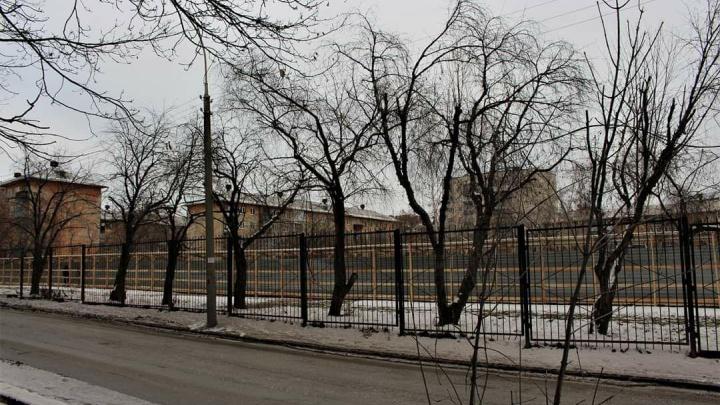 «Слезы на глазах»: от гимназии в центре Екатеринбурга ничего не осталось