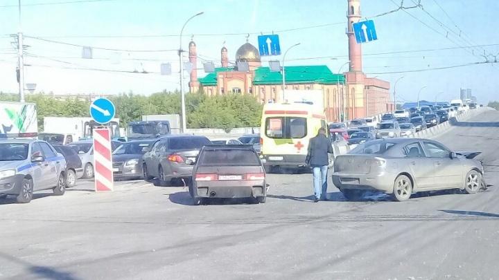 ДТП около мечети парализовало движение по ул. Ватутина