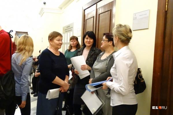 Горожане пришли на прием к Алексею Бубнову с просьбой не отменять маршрут