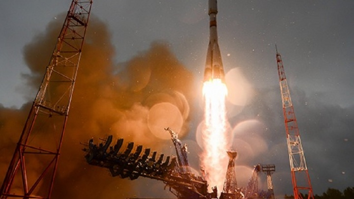 Самарскую ракету «Союз» поразила молния во время запуска с космодрома Плесецк