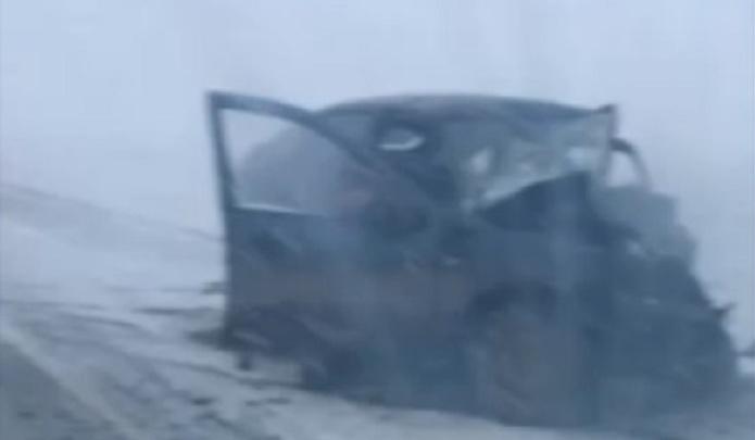 Водитель автомобиля Lada при обгоне на тюменской трассе устроил серьезное ДТП